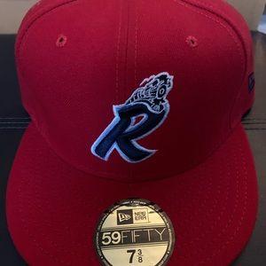 Reading Phillies retro fitted cap 7 3/8